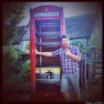 o-JAMIE-OLIVER-PHONE-BOOTH-SMOKER-570