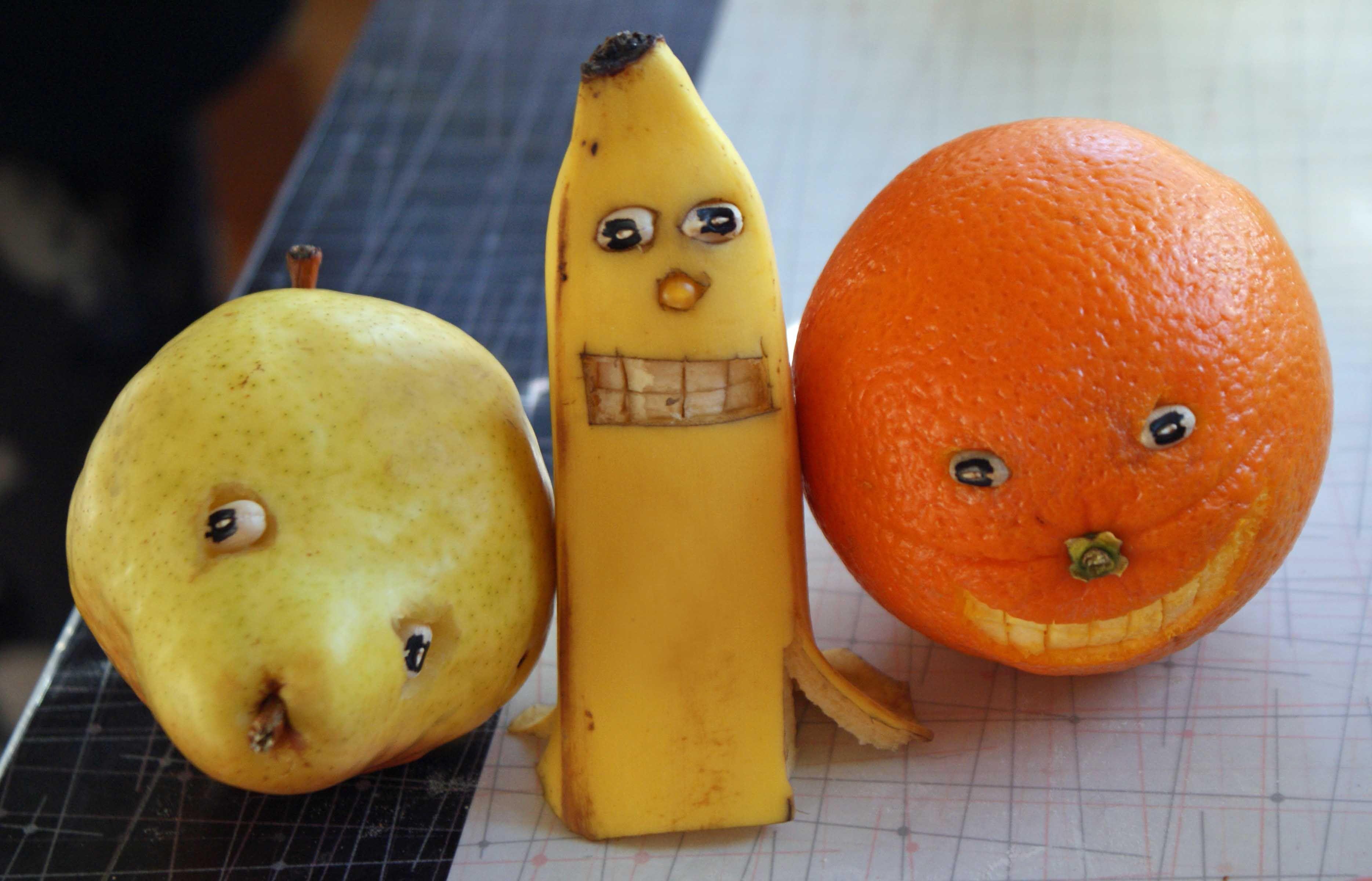 Картинки фруктов смешных